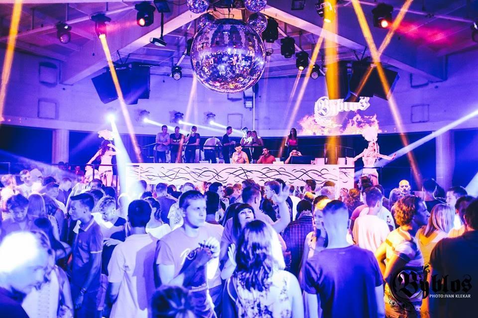 Uitgaan in Poreč bij de Byblos club