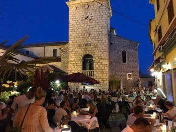 Een restaurant in Krk