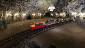 Grotten van Postojna trein