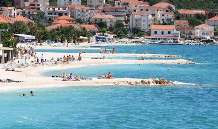 Het Okrug strand in Trogir