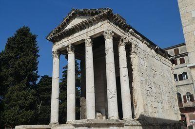 De tempel van Augustus