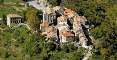 De stad Hum in Istrië